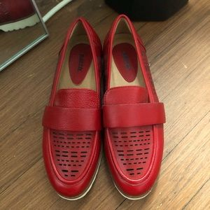 Earth Masio Red Leather Perforated Loafer Size 7 B